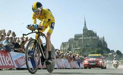 Chris Froome se exhibe en la crono con el Mont Saint-Michel como testigo. | Cordon Press