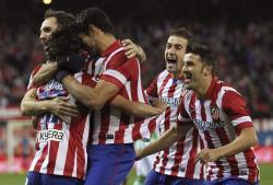 Los jugadores del Atlético celebran uno de los goles. | EFE