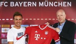 Mario Götze, junto a Matthias Sammer en su presentación con el Bayern. | EFE