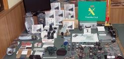 Material incautado por la Guardia Civil. | EFE