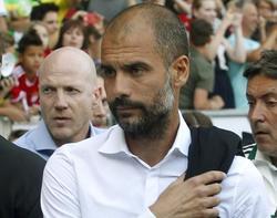 Pep Guardiola en un partido con el Bayer | EFE