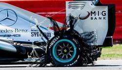 Así quedó el neumático trasero izquierdo del coche de Hamilton durante la carrera en Silverstone. | Cordon Press