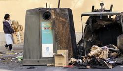 Contenedores quemados por los piquetes.