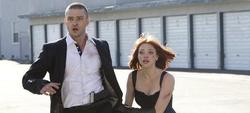 Justin Timberlake y Amanda Seyfried en In Time