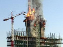 Incendio en el edificio de las Las Tablas   EFE