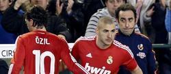 Iturralde González (d), durante el Betis-Real Madrid. | EFE