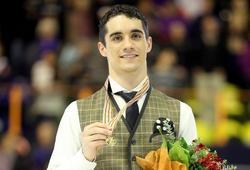 Javier Fernández posa con la medalla de oro.   EFE