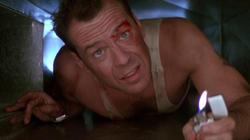 Bruce Willis en La Jungla de Cristal (1988)