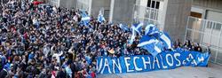 Los aficionados se manifestaron en apoyo al club.| EFE