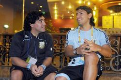 Maradona posa sonriente junto al Kun Agüero, eran otros tiempos. | Cordon Press