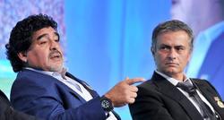 Mourinho junto a Maradona durante la Globe Soccer Edition en Dubai. | Cordon Press