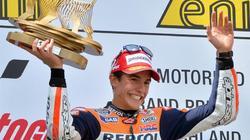 Marc Márquez celebra el podio conseguido en Alemania. | EFE