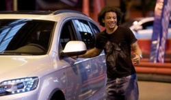 Marcelo, con uno de sus coches | Archivo