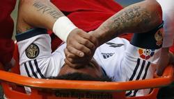Marcelo fue uno de los tres futbolistas que se tuvo que retirar lesionado. | EFE