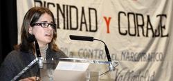 La hija de Garzón leyó una carta en los premios Dignidad y Coraje | Efe