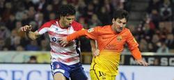 Messi, durante el encuentro ante el Granada. | EFE