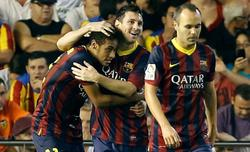 Messi celebra uno de sus goles con Neymar. | EFE
