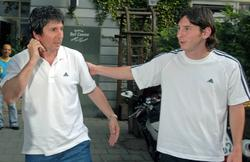 Leo Messi, junto a su padre. | Cordon Press / Archivo