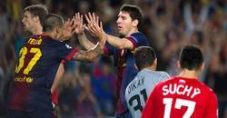 Messi celebra con Tello el empate. | EFE