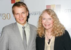 Mia Farrow y Ronan Farrow | Cordon Press