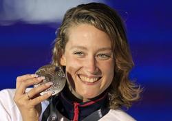 Mireia Belmonte celebra su medalla de plata en los Mundiales de Barcelona. | EFE