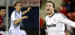 Luka Modric y Gonzalo Higuaín, durante el partido en Mallorca.   LD