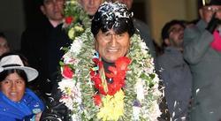 Morales, recibido en el aeropuerto de La Paz | Efe