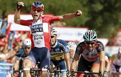 El ciclista danés del equipo Saxo Bank Michael Morkov, celebra su victoria. | EFE