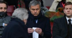 José Mourinho, en el palco de Old Trafford.