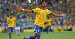 Neymar celebra su gol a México.