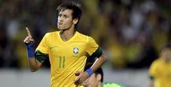 Neymar celebra un tanto con la selección brasileña.
