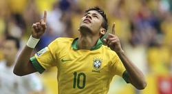 Neymar celebra su golazo a Japón al comienzo del partido. | EFE