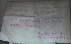 La nota del piquete en una servilleta