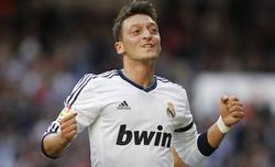 Mesut Özil celebra un gol con el Real Madrid. | Archivo