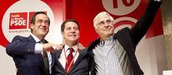 García-Page (c), con Barreda y Bono, tras ser elegido secretario general | Efe