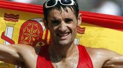 Paquillo Fernández, tras proclamarse subcampeón olímpico en Atenas. | EFE
