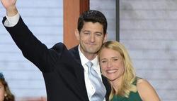 El candidato republicano a la vicepresidencia Paul Ryan con su esposa Jenna | Efe