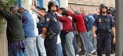 La Policía identifica a los involucrados en la pelea. | EFE
