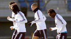 Pepe, junto a Albiol, Carvalho y Essien en el entrenamiento. | Foto: realmadrid.com