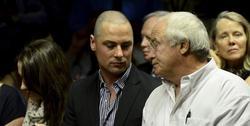 El padre y los hermanos de Pistorius, en los tribunales. | EFE