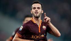 Pjanic celebra uno de sus dos goles al Nápoles. | Cordon Press