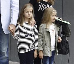 Los Príncipes de Asturias y sus hijas | EFE