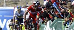 Purito deja atrás a Contador en el Cuitu Negru. | EFE