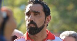 Goodes, jugador de futbol australiano de origen aborigen.