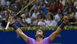 Rafa Nadal celebra la victoria en Brasil | EFE
