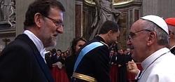 Rajoy el papa Francisco tras la misa de entronización | Archivo