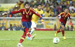 Sergio Ramos falla el penalti que lanzó en la segunda parte.   EFE