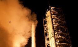 Lanzamiento de la misión LADEE con la rana a la izquierda.   NASA