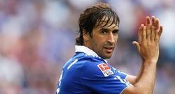 Raúl, durante un partido con el Schalke. | EFE/Archivo