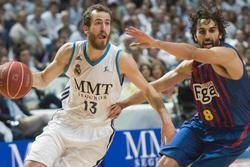 Sergio rodríaguez y Víctor sada, durente un  partido. | Cordon Press